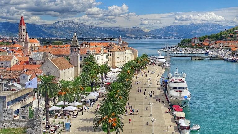 Croatia reopen