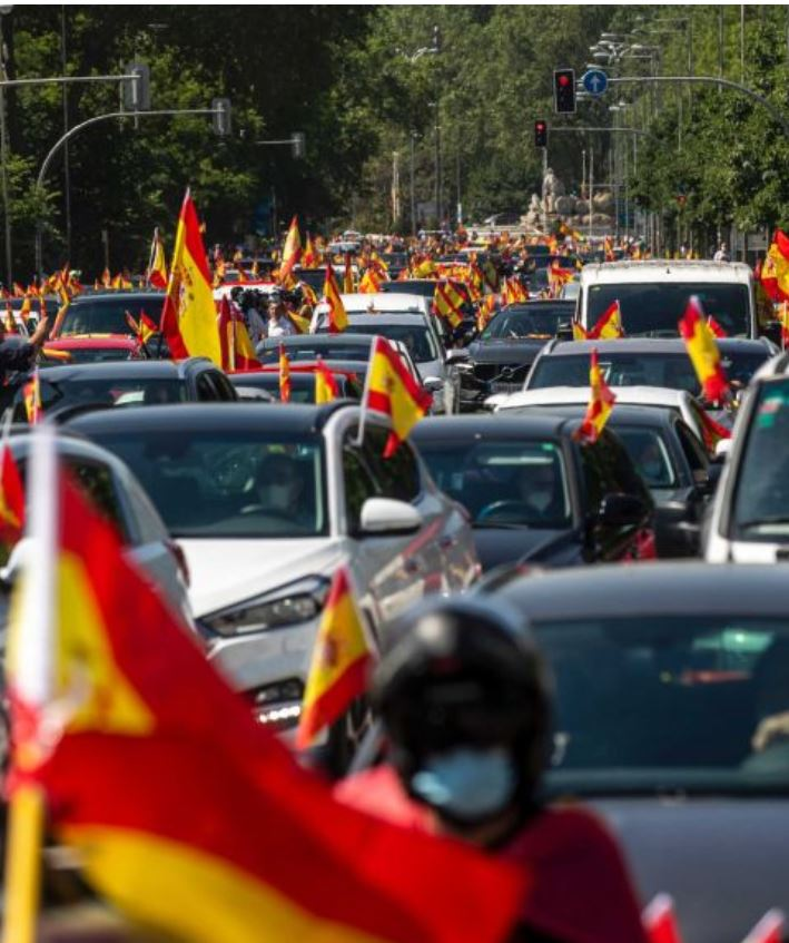 spain reopening to tourist after protests