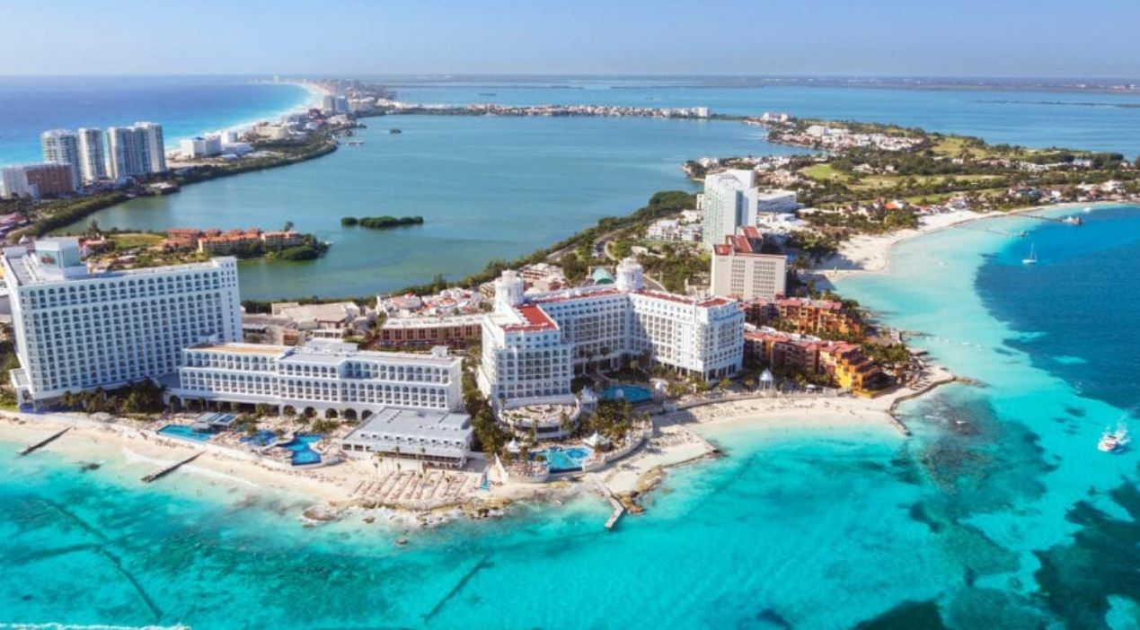 the governor of Quintana Roo says tourism for the state could see a reopening between June 8 and 10.