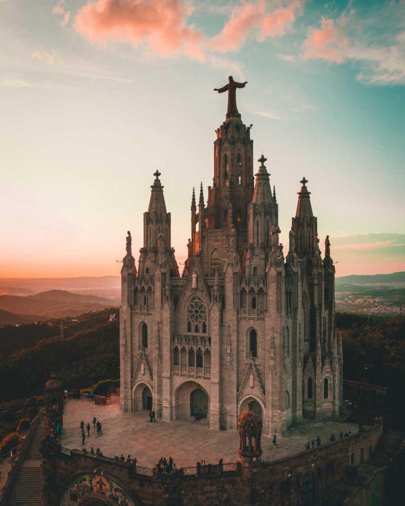tourist attraction in barcelona spain