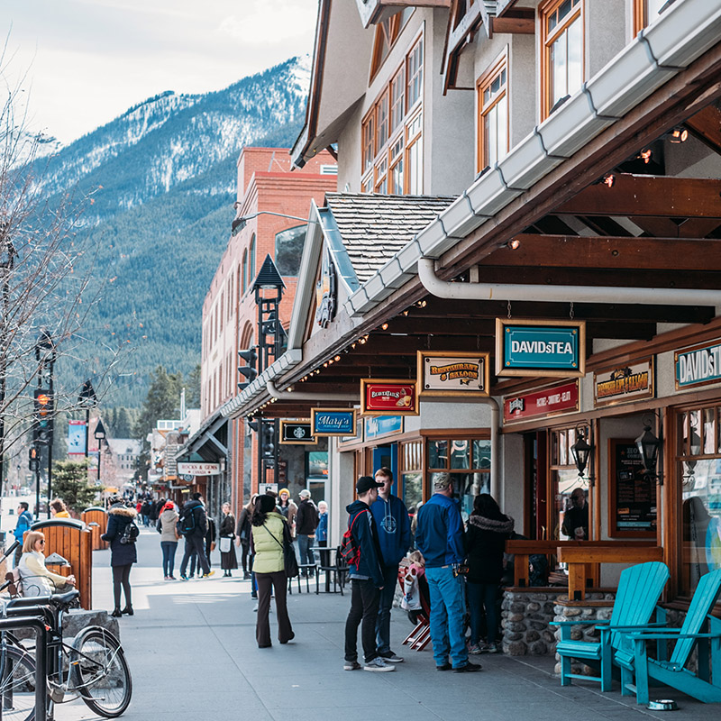 town of banff tourists