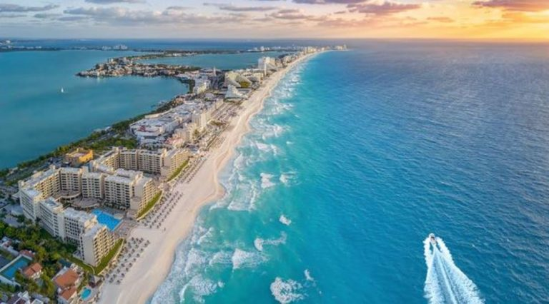 70,000 Tourists Have Traveled to Cancun Since Reopening