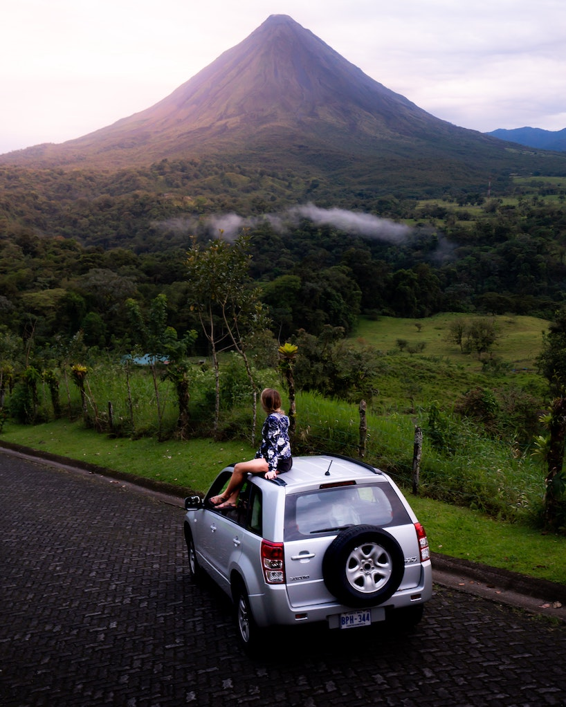 costa rica is welcoming tourists with travel insurance that covers covid-19