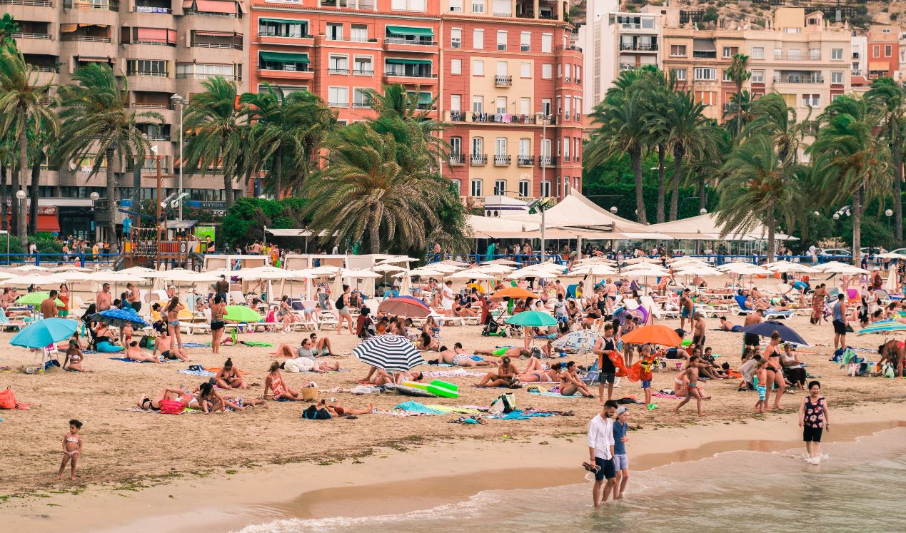 1.5 Million British Tourists Face Quarantine After Traveling To Spain