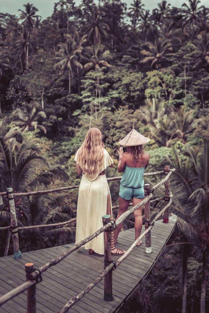 Autralian-women-tourists-ovrlooking-jungle-in-bali