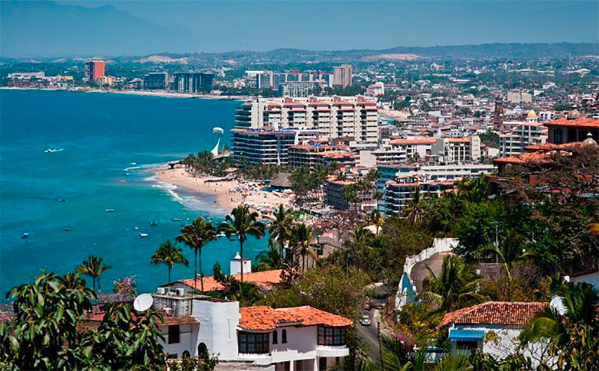 Puerto Vallarta Could Face Total Lockdown If Cases Continue To Rise