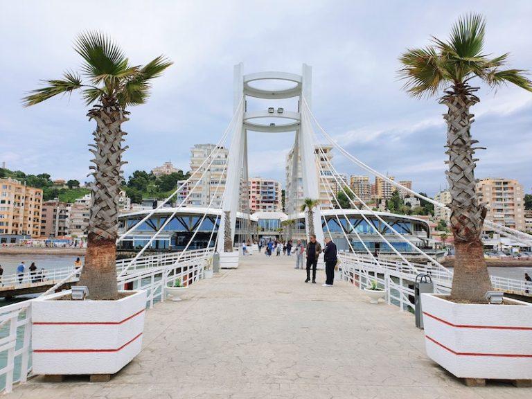 albania opens borders