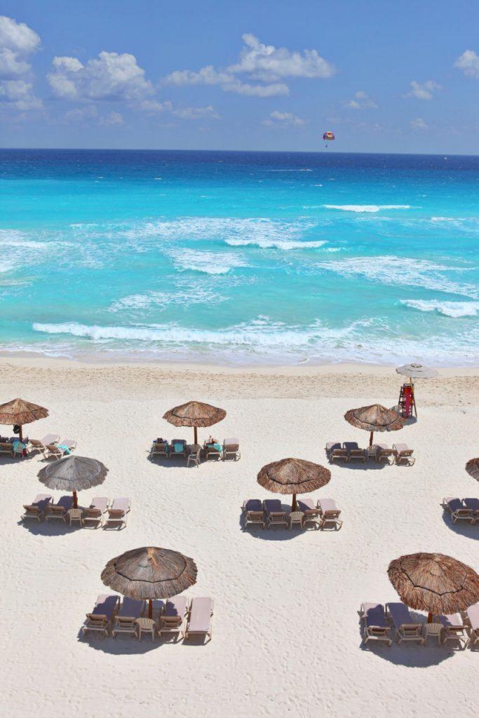 Beach in Cancun, Mexico (1)