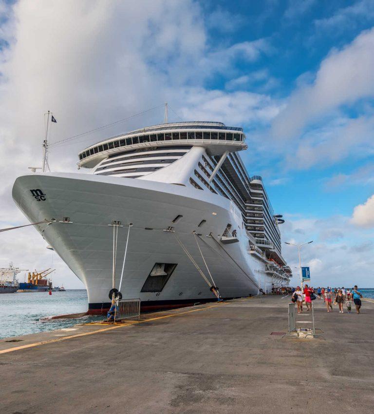 Passengers baording msc ship