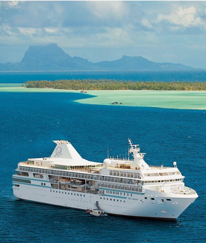 Ship in tahiti (2)