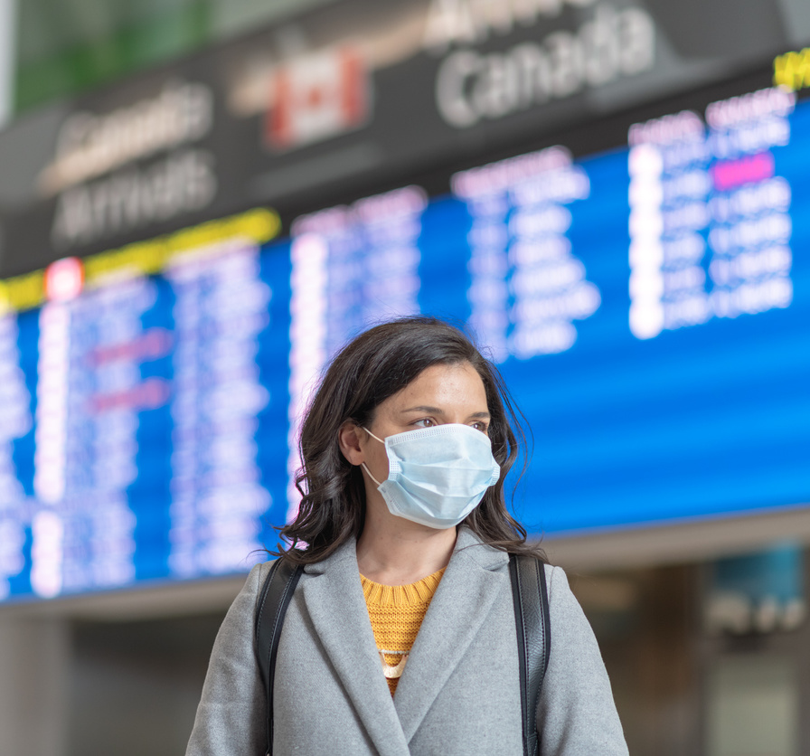 travel with mask at airport in canada