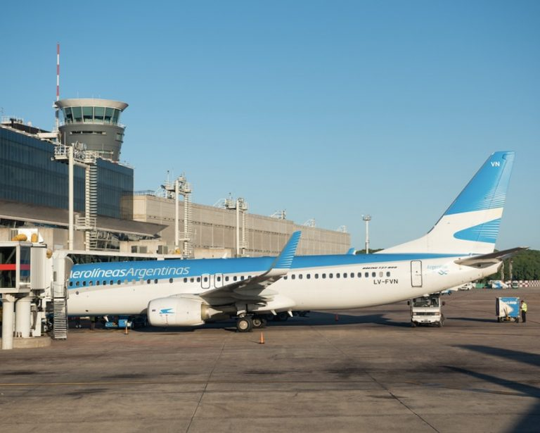 international flights banned into Argentina