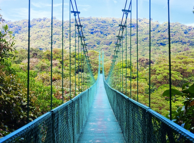costa rica americans can visit