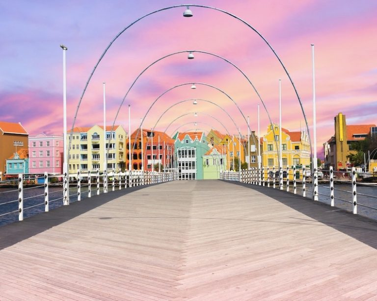 Curaçao Reopens for Usa