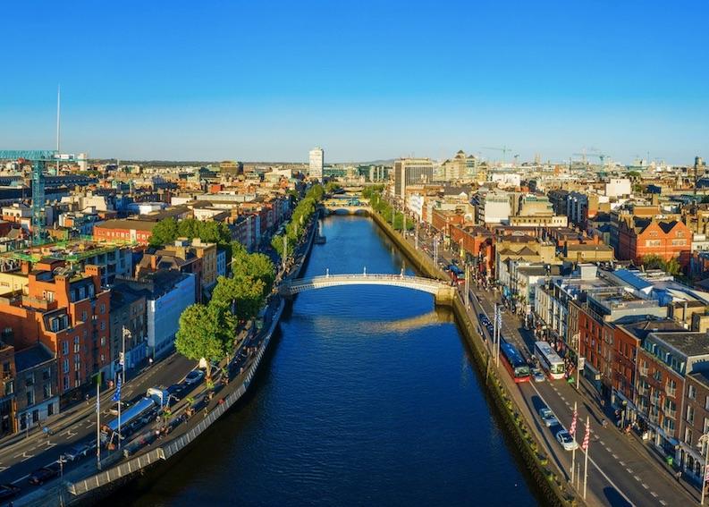 irish tourists need to quarantine when coming home