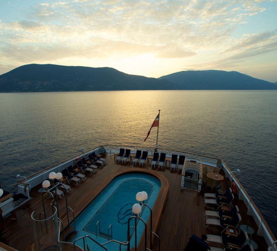SeaDream1 Pool deck