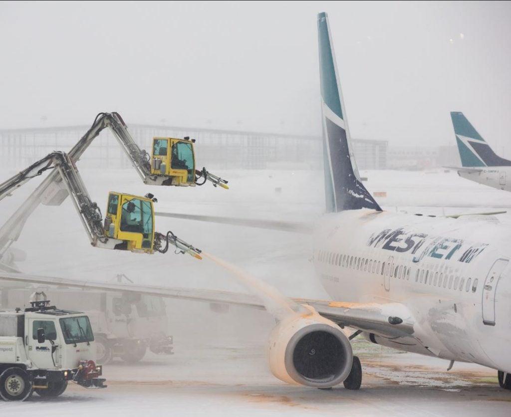 calgary airport westjet planes