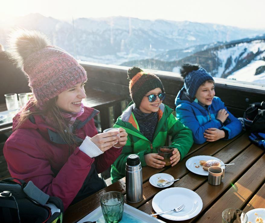 eating in mountain restaurant