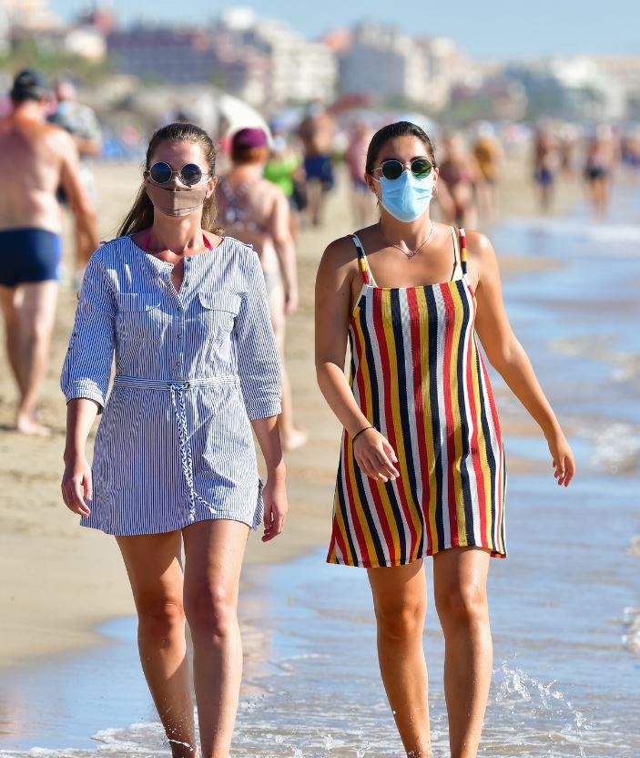 females beach masks