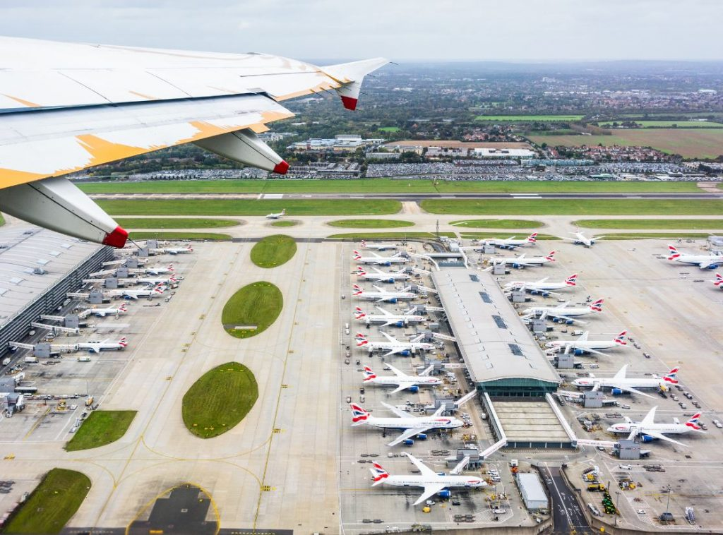london heathrow planes parked