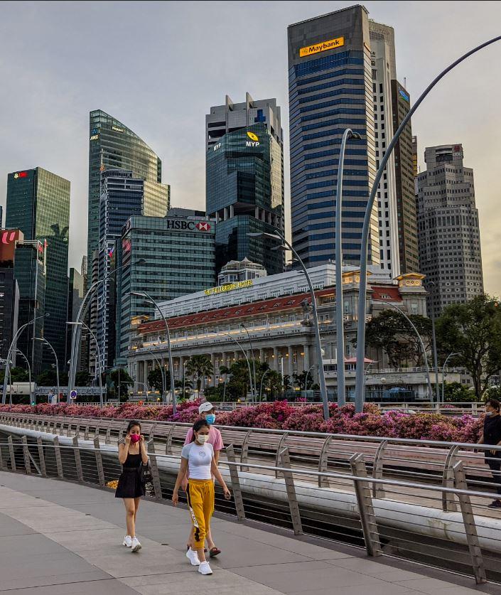 singapore travelers masks