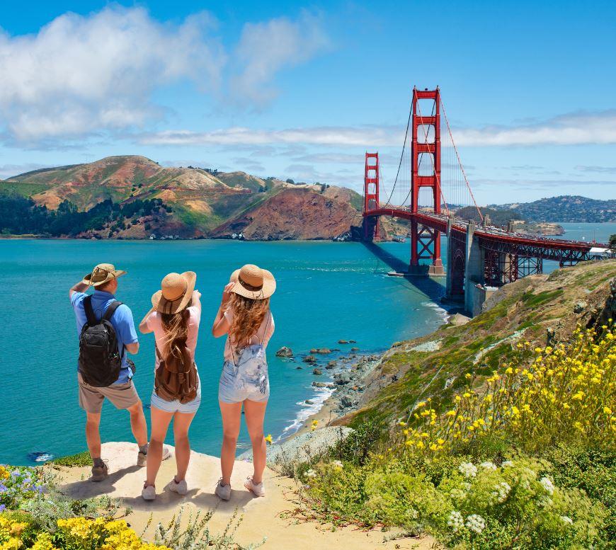 tourists at golden gate bridge