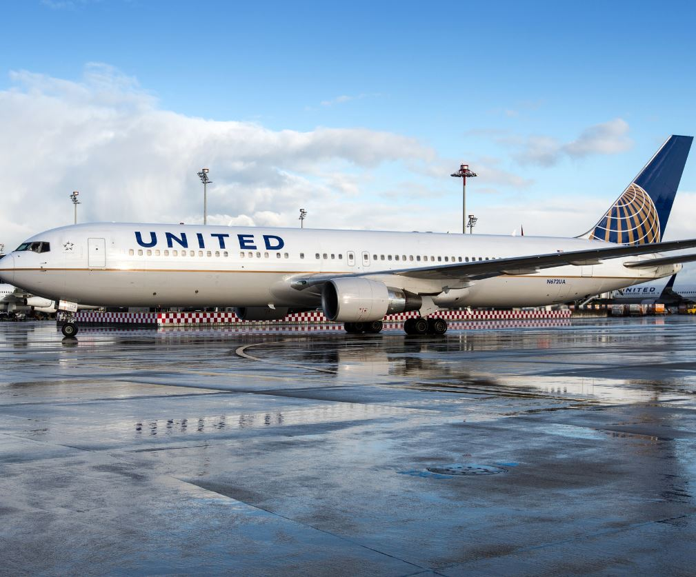 united airlines plane on tarmac