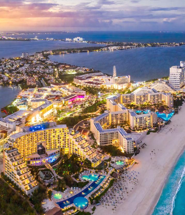 cancun resorts at night