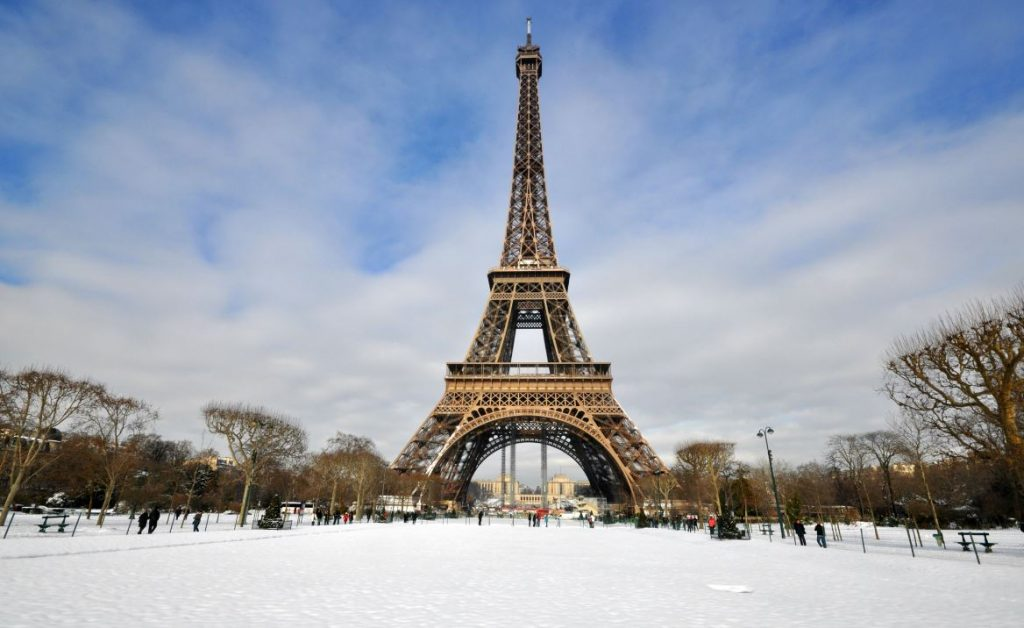 Travelers Allowed To Return To France As Lockdown Ends