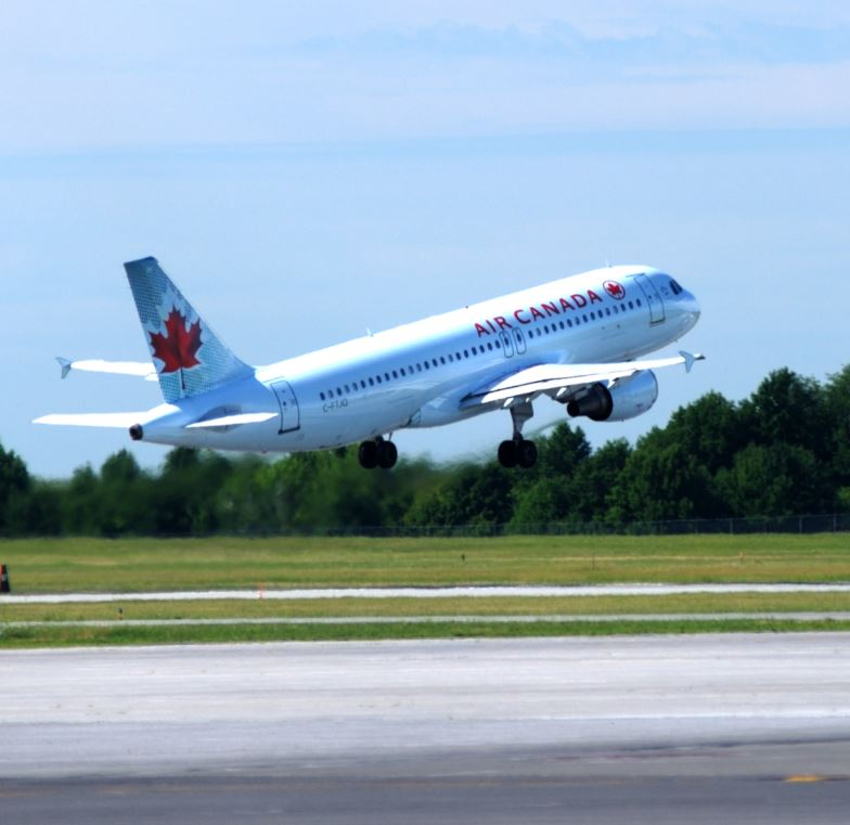 air canada plane taking off from Ottawa airport