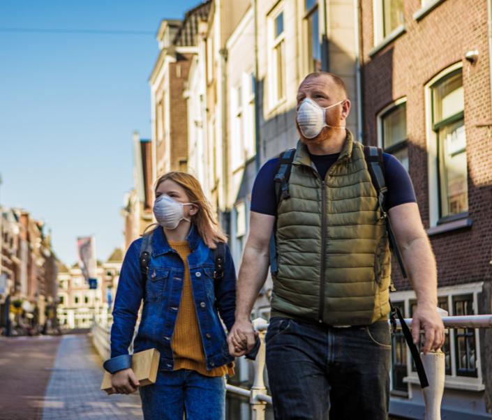 amsterdam father daughter covid mask