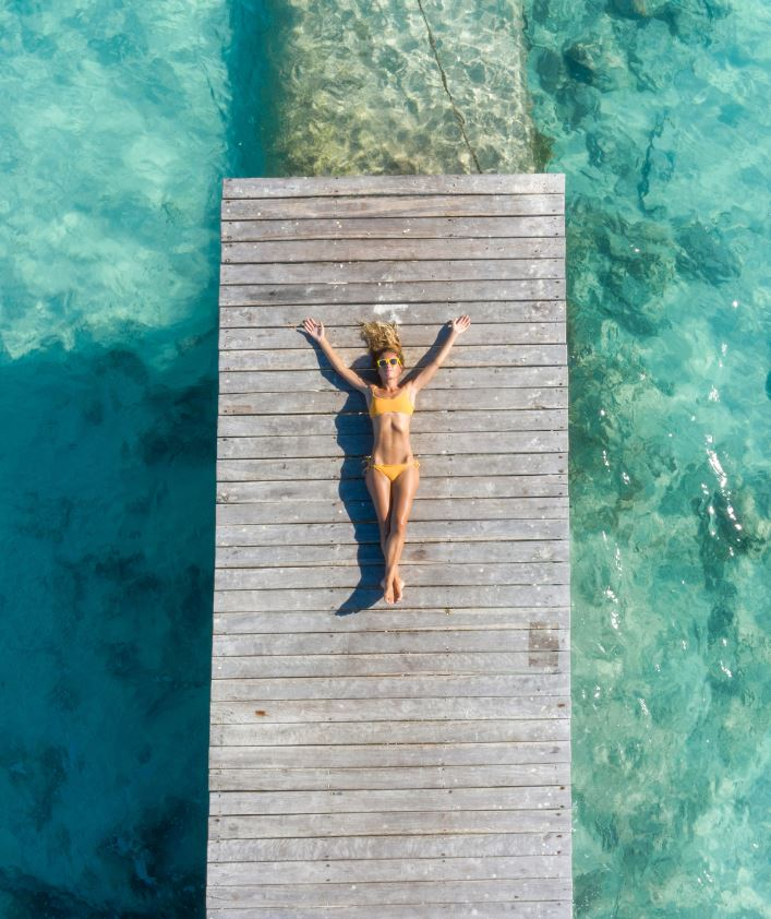 cancun tourist on dock