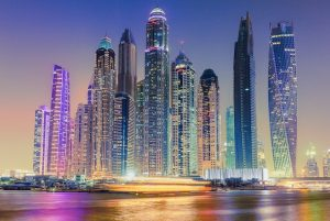 Layover in Dubai? Emirates Offers Free Hotel Room For Transiting Passengers