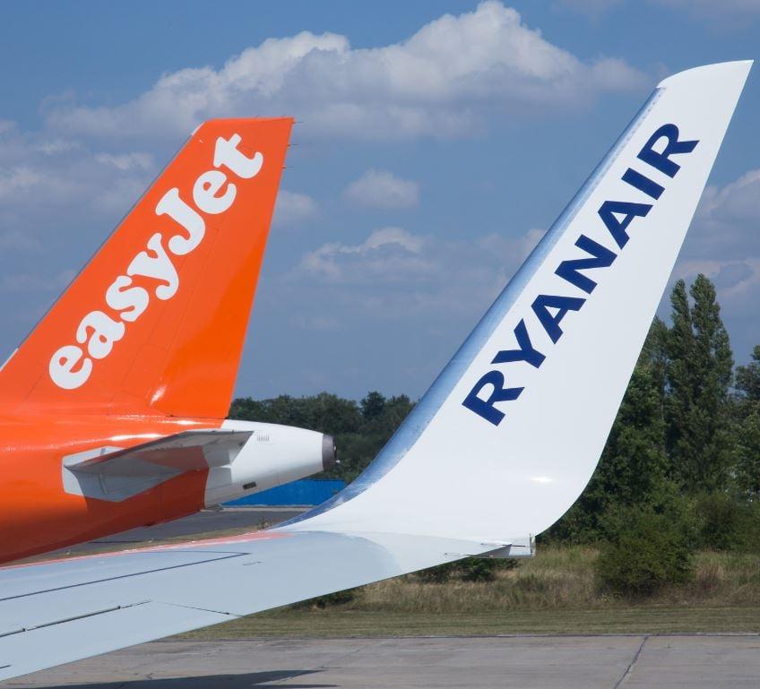 easyjet and ryanair planes