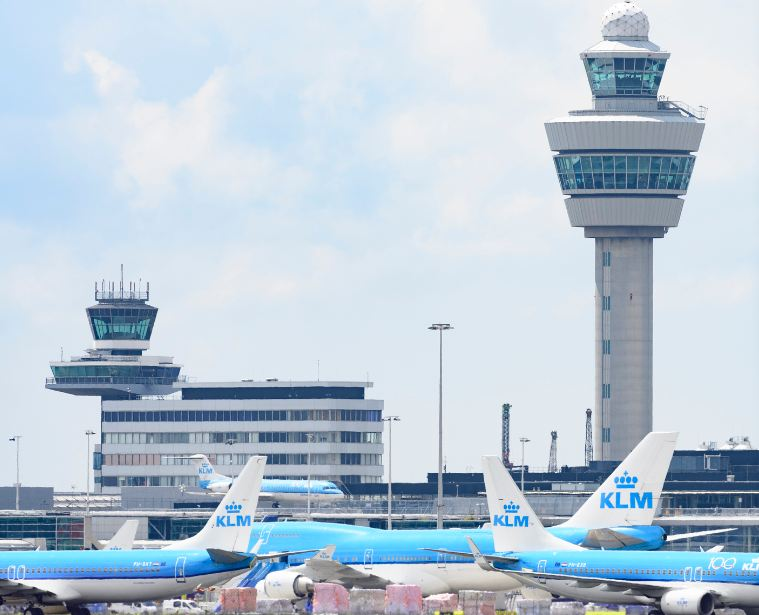 klm planes at AMS airport