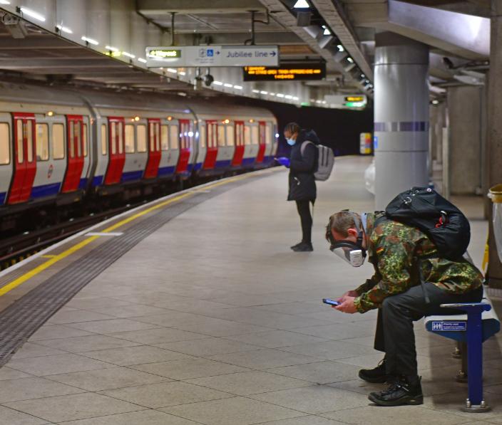 man london underground tube mask