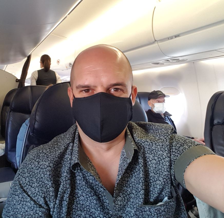 my mask on plane