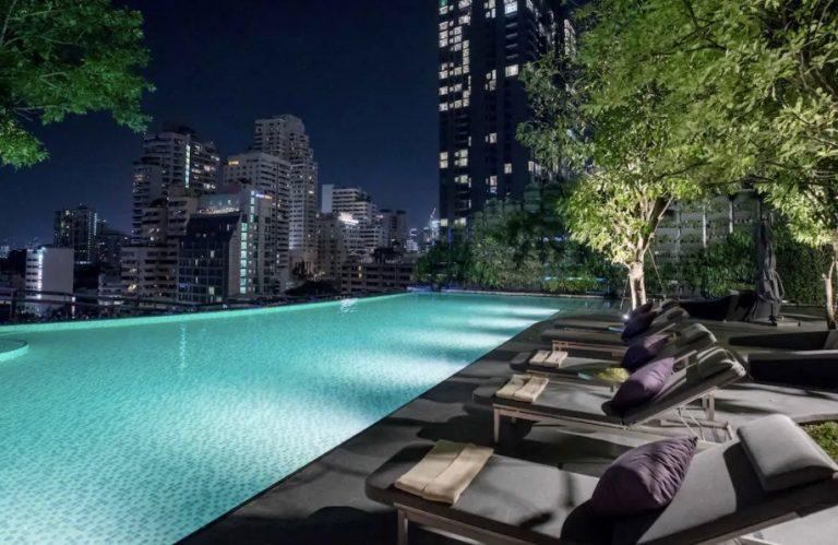 pool at hyatt regency bangkok