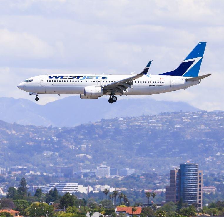 westjet plane landing