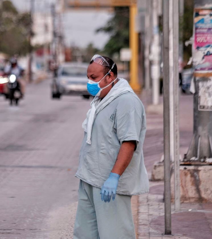 Doctor wearing mask in Cancun