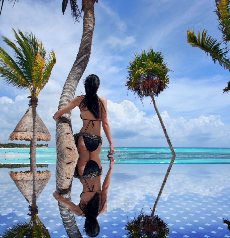 Inifintiy pool and travel in Playa Del Carmen
