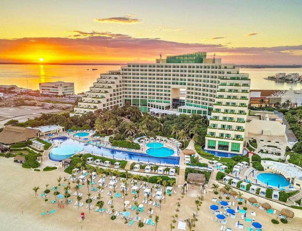 Live Aqua resort cancun