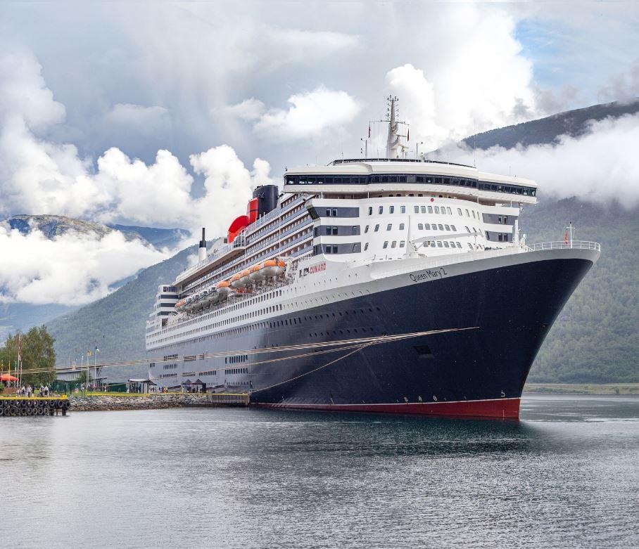 Queen Mary 2 in Norway