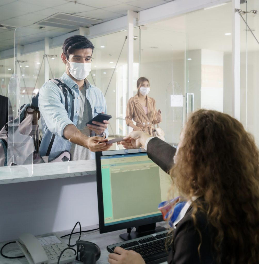 airport masks passengers