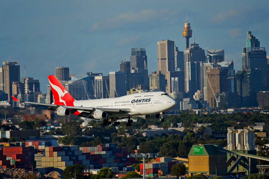 Qantas plane flying into city
