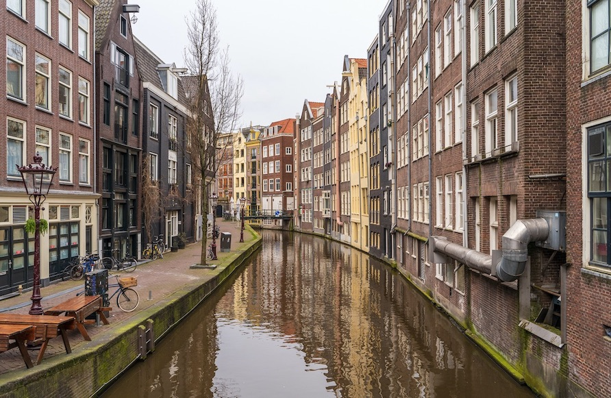 Netherlands Bans Flights From 17 Countries, Adds Unrealistic Testing Requirement