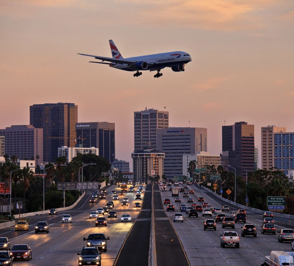 plane landing in San Diego California