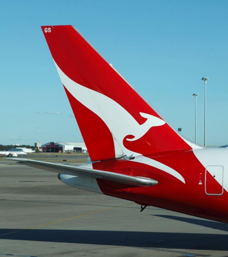 qantas airplane tail