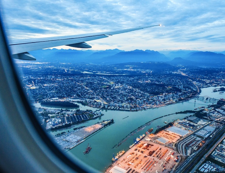 vancouver airport flight