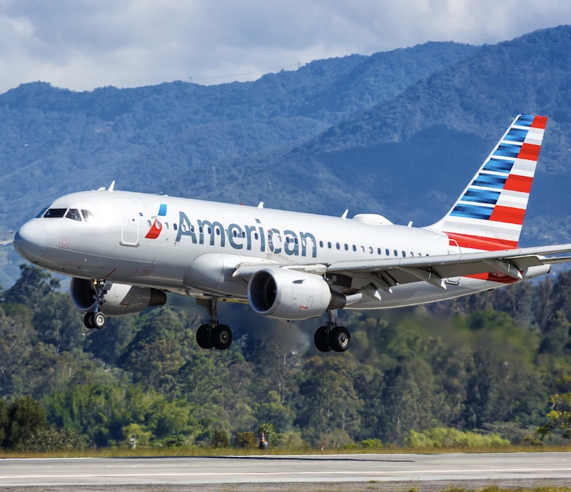 American Airlines plane landing in Colombia